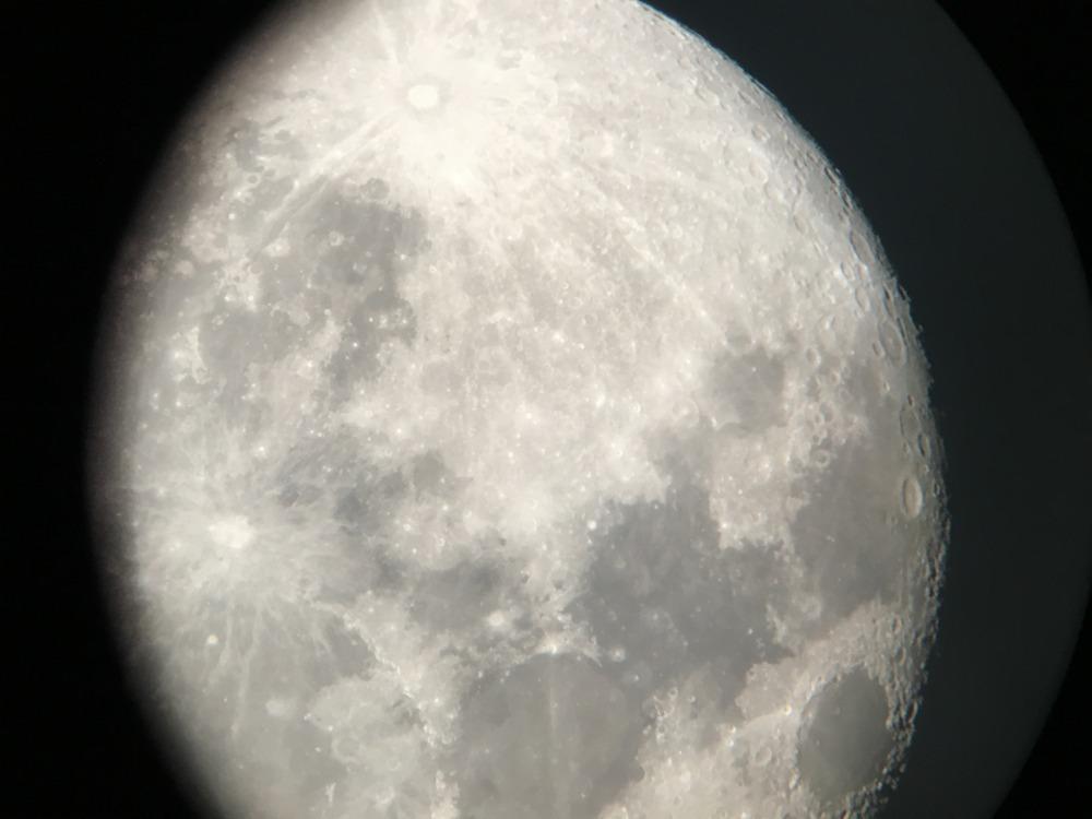 スマホで撮れた月