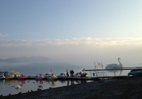 山中湖の白鳥の湖
