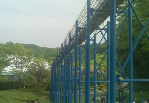 110mのローラーすべり台